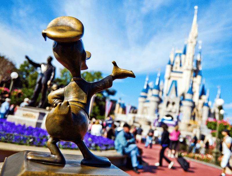 walt disney world magic kingdom donald duck